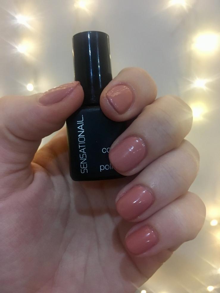 shiny nude nails